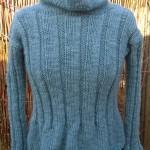 Garnkit med gratis strikkeopskrift til feminin ribbluse i øko uld. Doggerland Design