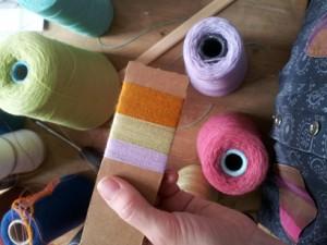 Farve og vikle prøver af Astrid Skibsted