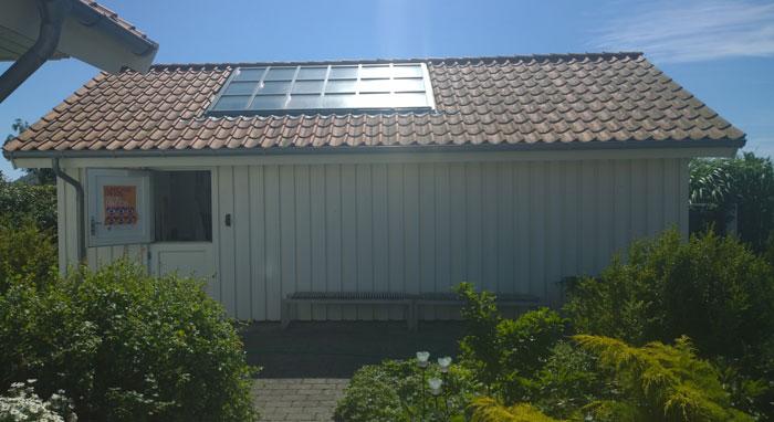 Lene Lundgaards have og atelier på en skøn sommerdag... Foto: Marianne Porsborg