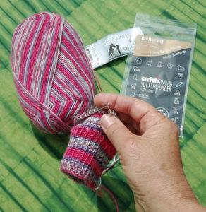 Hvordan man strikker med strømperundpinde fra Addi til sokker, babytøj og ærmer mv.