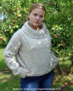 Strikkekit Blathnat, garn og opskrift til kort sweater med stor rullekrave i islandsk uld