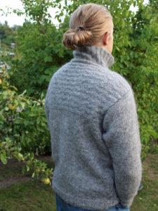 Sweater med strukturmønster, Scarborough fra Doggerland Design. Strikkes i islandsk uld, sømandssweater