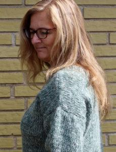 Pladegarn sweater, garn og opskrift i strikkekit fra Doggerland Design. Islandsk pladegarn til damestrik