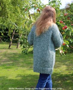 Pladegarn sweater, strikkekit garn og opskrift til damestrik, lang sweater, designer strik